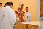 Vkladanie relikvií do oltára
